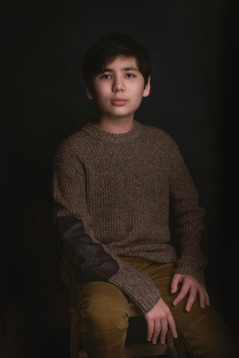 teen-boy-modern-classic-portrait-chicago-oakpark-river-forest